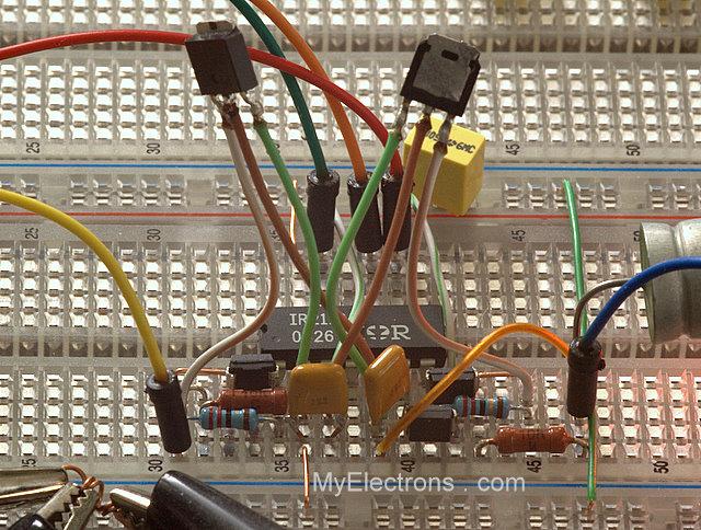 DCC бустер, одно плечо на IR2110 и MOSFET, на макетке
